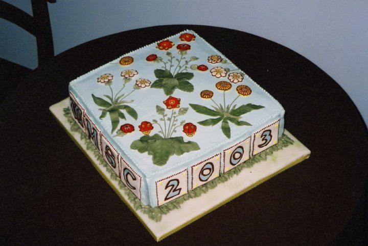 William Morris Birthday Cake 2003, Daisy pattern, white frosting, William Morris Society of Canada
