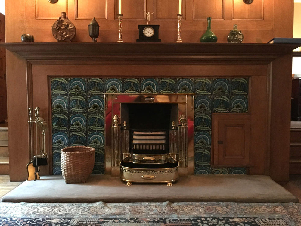 Glessner House De Morgan fireplace with single restored tile