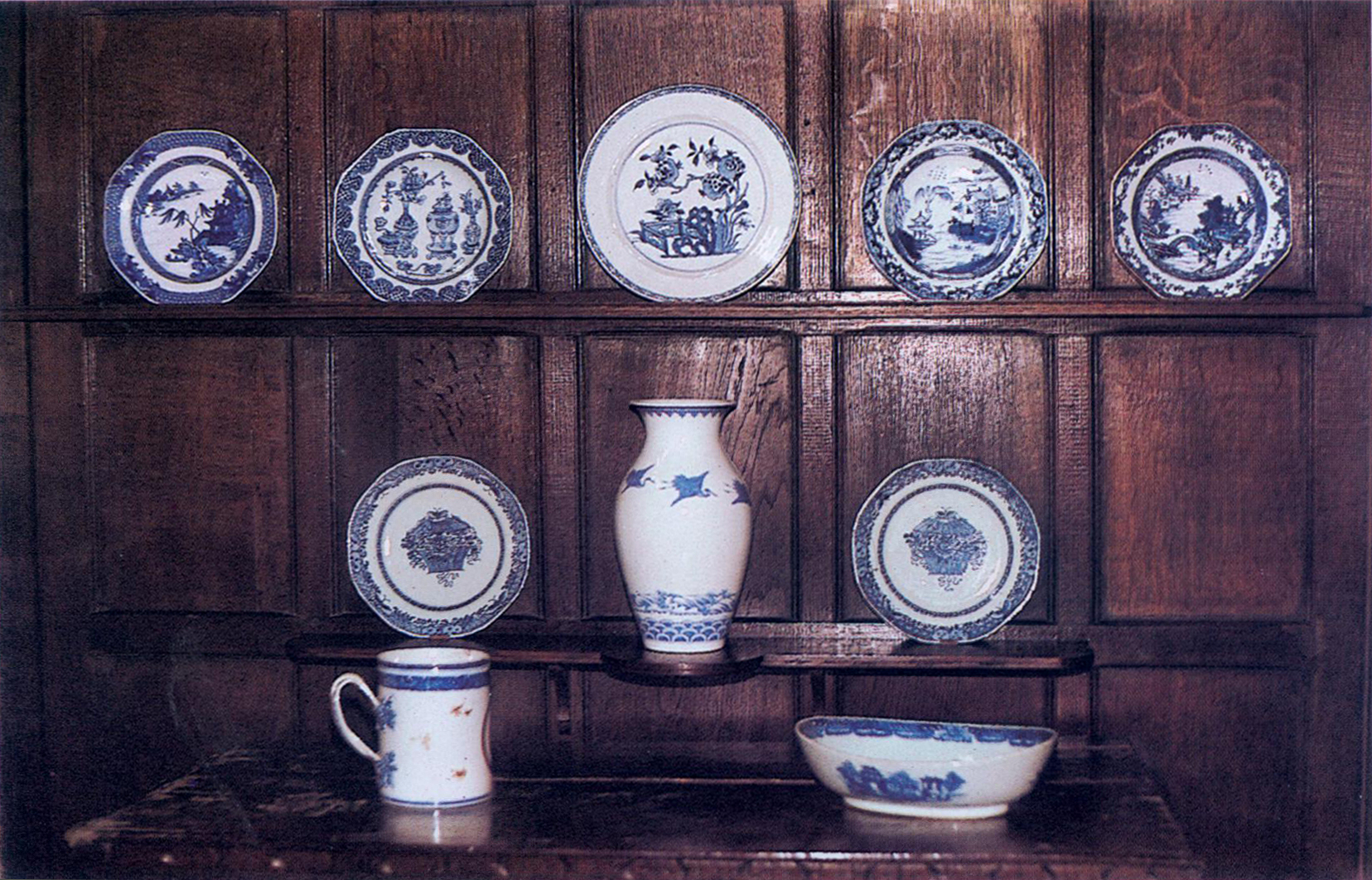 Dante Gabriel Rossetti's blue and white china collection