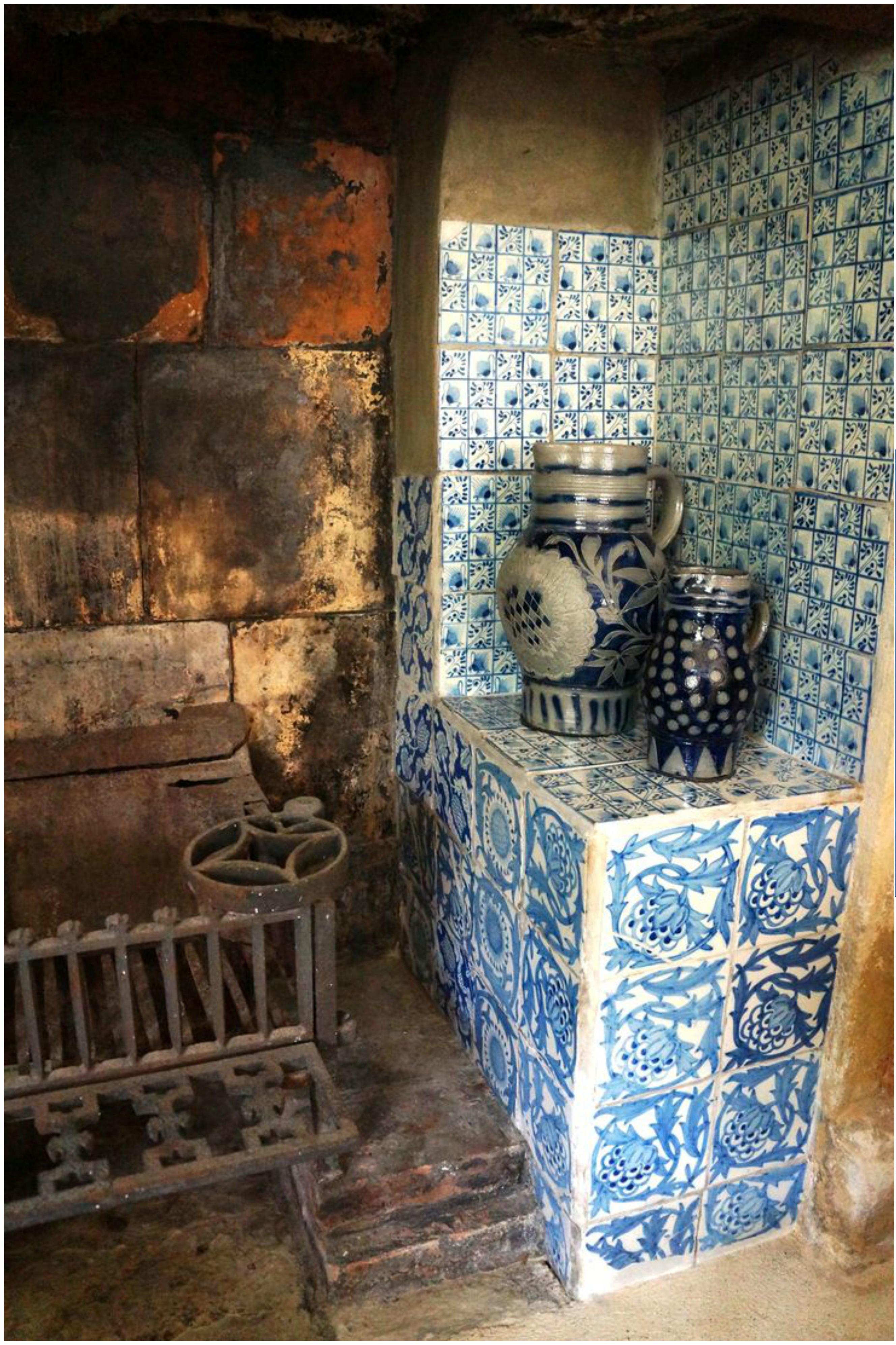 Kelmscott Manor, Green Room Fireplace