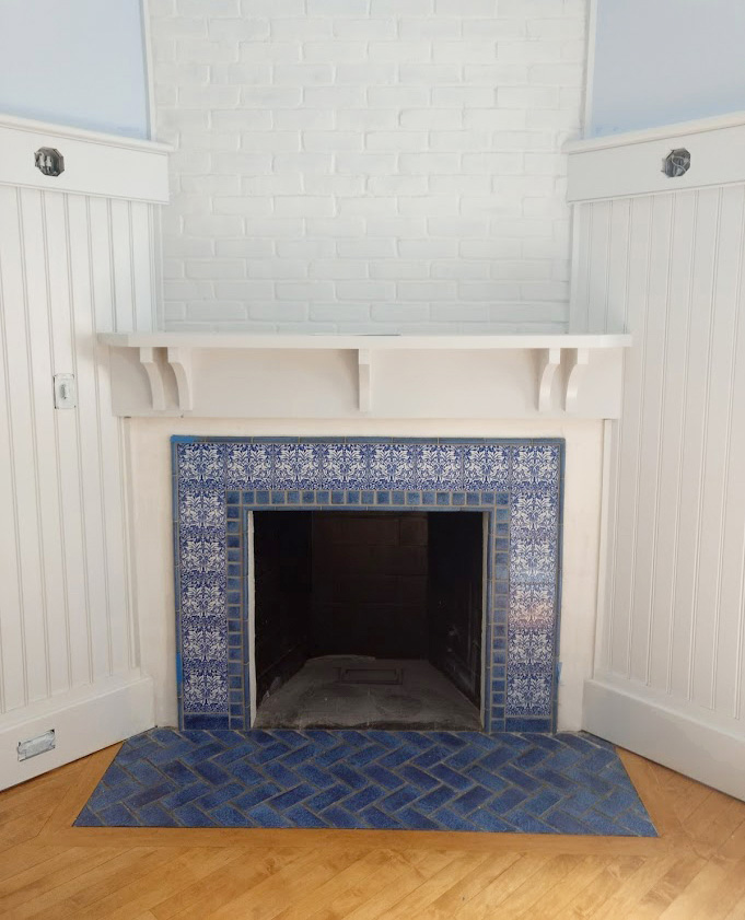 Brother Rabbit nook fireplace in Victorian blue
