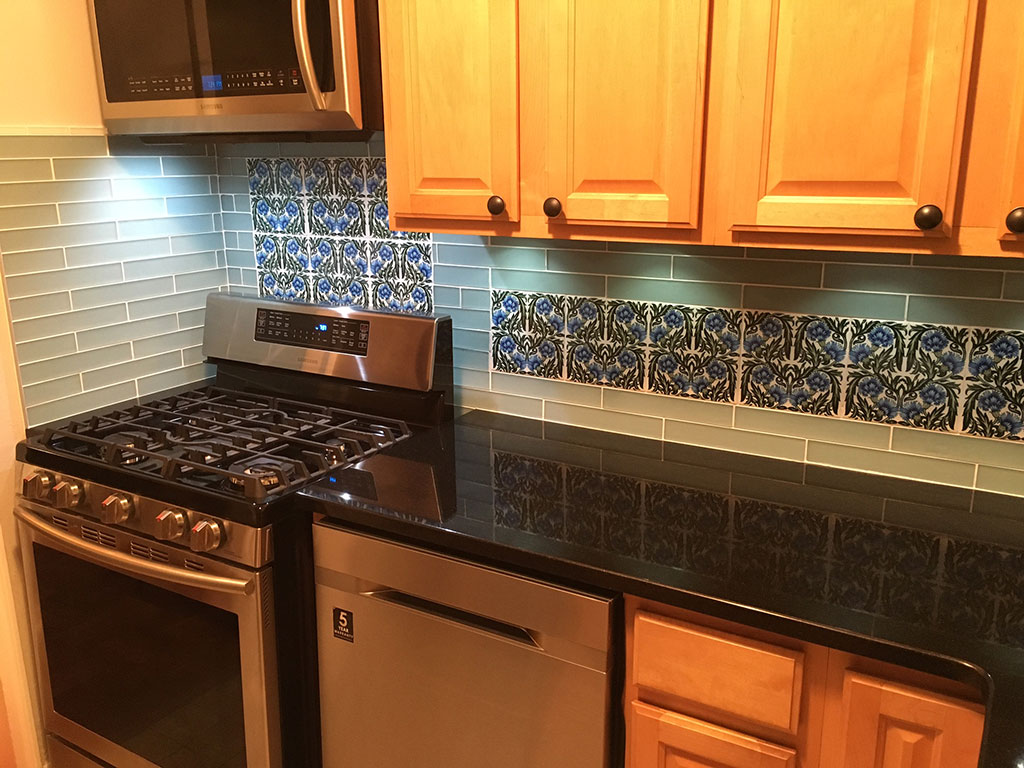 William De Morgan blue carnations kitchen backsplash